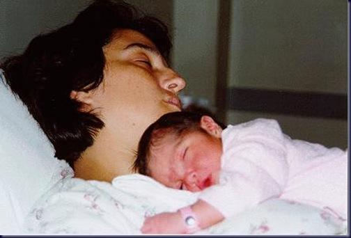Caro y Mamá durmiendo