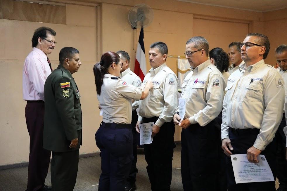 Imagen JEFES POLICIALES SE CAPACITARON EN EXTORSIÓN, NEGOCIACIÓN Y MANEJO DE CRISIS