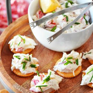 Quick Crab Meat Salad Cracker Appetizer Recipe