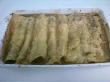 Yummy Green Chili, Beef, & Cheese Enchiladas
