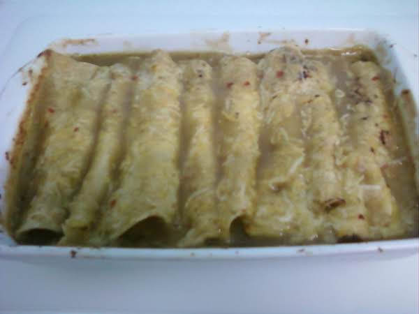 Yummy Green Chili, Beef, & Cheese Enchiladas Recipe
