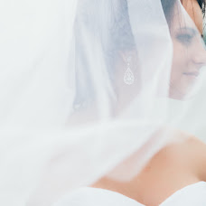 Wedding photographer Elena Kazachenko (Omen). Photo of 11.11.2015
