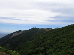 ガレ斜面から竜ヶ岳方面