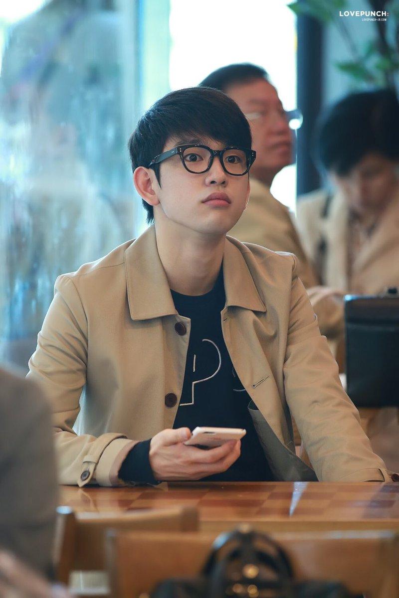 eca646816b0a 10+ Male Idols Who Totally Look Like Hot Nerds In Glasses - Kpoptify