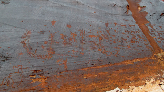 A great petroglyph panel along Potash Road