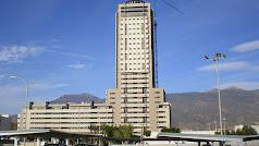 El edificio torrelaguna tiene una altura de 105 metros en 30 plantas y fue inaugurado en 2012 junto al bulevar ejidense.