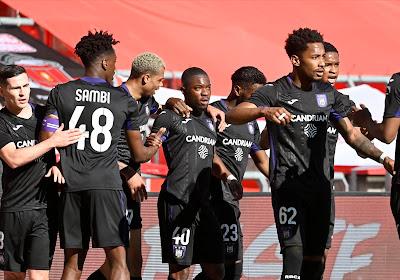 🎥 Mooie beelden: Anderlecht toont opluchting bij spelers na overwinning in Clasico tegen Standard