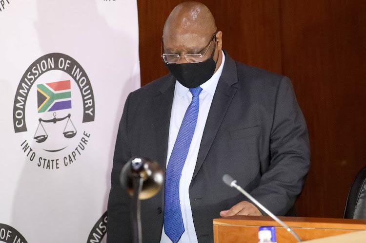 副首席大法官Raymond Zondo周四晚上表示,出于安全原因,州抓捕委员会必须休会到周五上午。