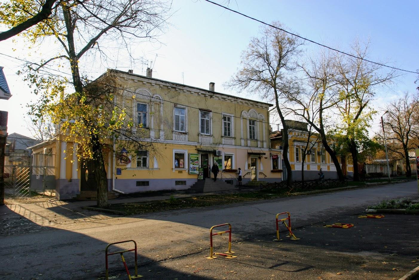 https://sites.google.com/site/istoriceskijtaganrog/italanskij-pereulok/dom-11