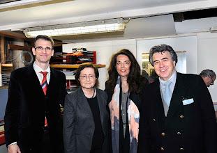 """Photo: AUSSTELLUNGSERÖFFNUNG """"I.R.I.S """" am 4. 4. 2014. Martin Wacks, Dr. Barbara Lee-Störck, Iris von Stein Andrea Martin. Foto: Barbara Zeininger"""