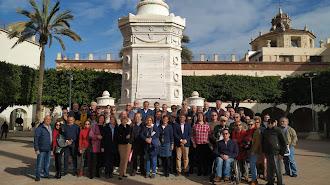 Foto de familia tras el acto celebrado este viernes en la Plaza Vieja.