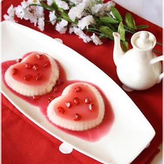 Vanilla Pannacotta With Pomegranate Sauce