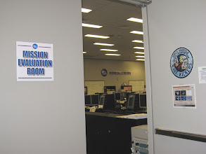Photo: Space Shuttle Mission Eval Room