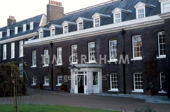 There Are Not That Many Photos Of The Façade Apartment Where Diana And Her Boys Lived Later Charity Offices Today
