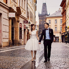 Wedding photographer Lukas Konarik (konarik). Photo of 21.04.2017