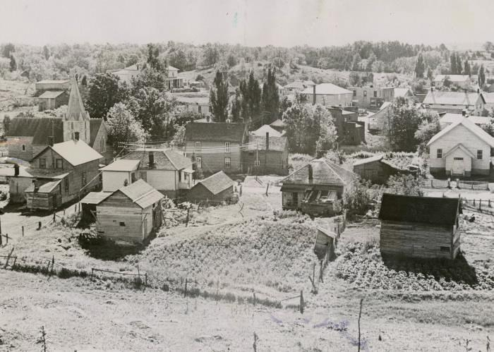 Photo of the town of Arden in 1936.