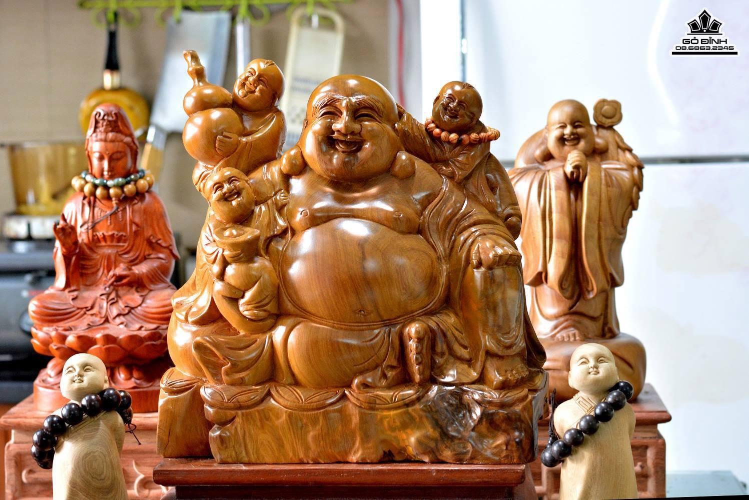 Phật Di Lặc gỗ Bách Xanh