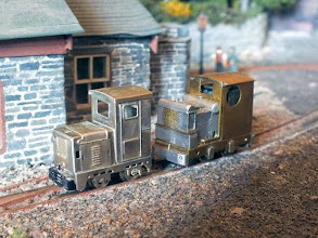 Photo: 010 The new Ruston LA posing with the many times rebuilt Ruston 27-32
