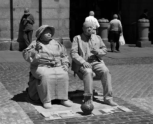 Artisti di strada spagnoli di dino pas