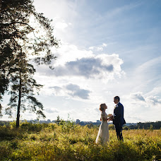 Wedding photographer Vadim Zakharischev (yourmoments). Photo of 21.09.2015