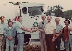 Photo: L to R: Bob Covington, Bill Beaty, B. Goodwin, Jig Smith, Felton Lemke, Unknown, Unknown