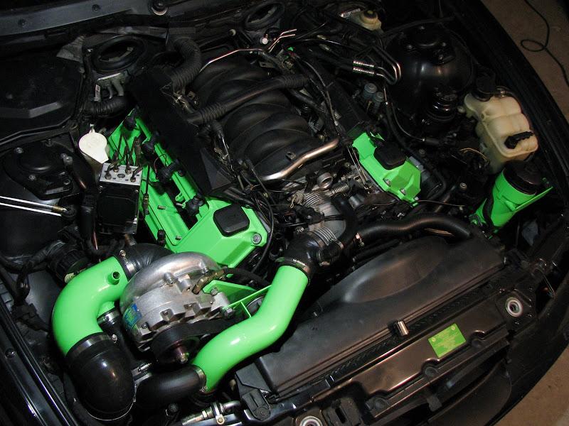 M62  1997  1998  540i Plastic Engine Cover