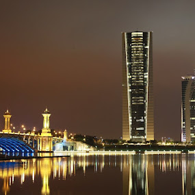 Nightlight by Hafizi Ahmad - Buildings & Architecture Office Buildings & Hotels