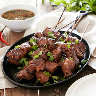 Asian Steak Skewers with Spicy Scallion Sauce