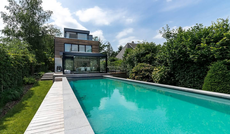 Villa avec piscine et jardin Uccle