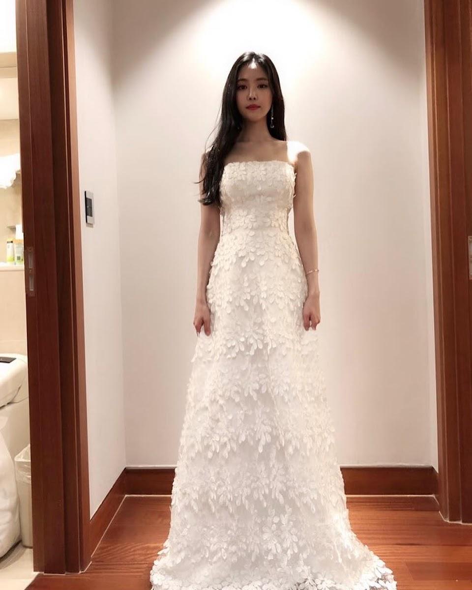 naeun gown 5