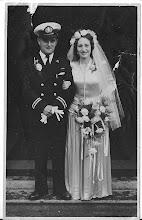 """Photo: Nicht van mijn vader: Co van Tante Anna """"aardige vrouw"""" verblijft in de Prins Hendrik Stichting. Zij was gehuwd met J.Krab. Haar moeder was Antonia Schong- Blok ."""