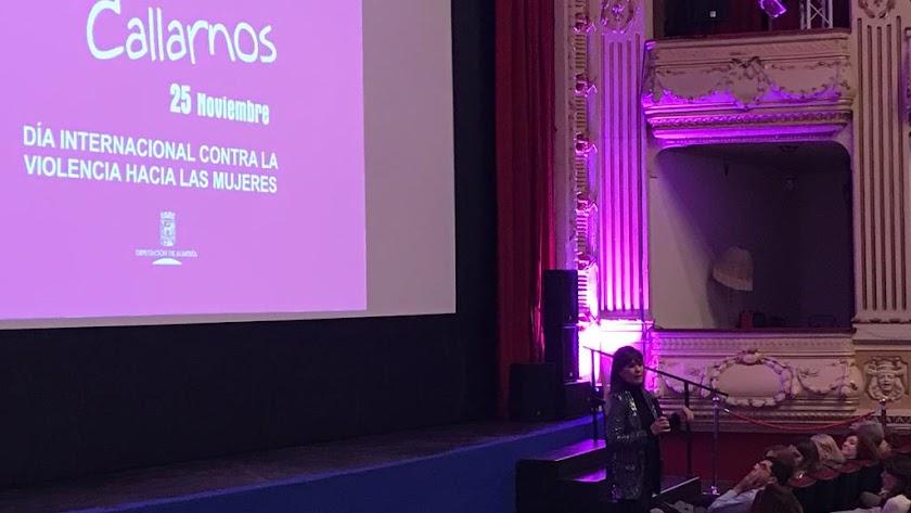 Mabel Lozano, durante la presentación del filme.