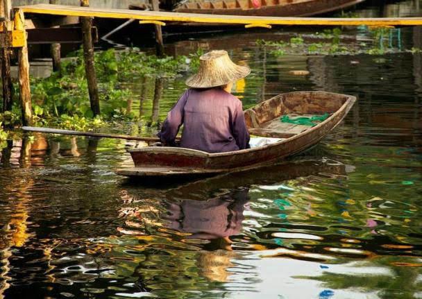 Mercado Flutuante Tha Kha