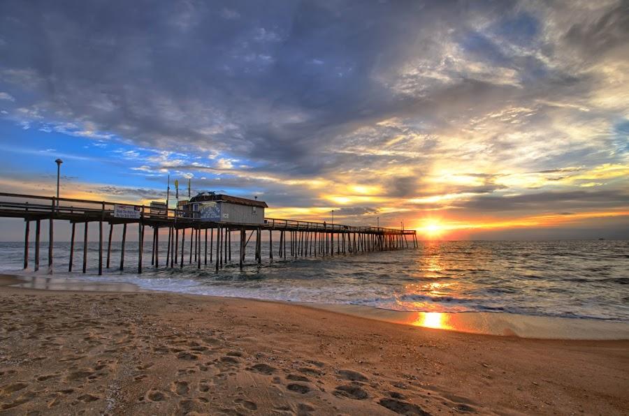 OC Fishing Pier. by Daniel Potter - Landscapes Waterscapes