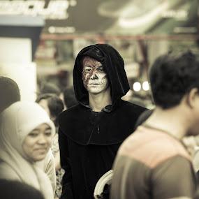 he is watching by Putu Anggara - People Street & Candids ( man in the hood, mystery, candid, demon, prj )