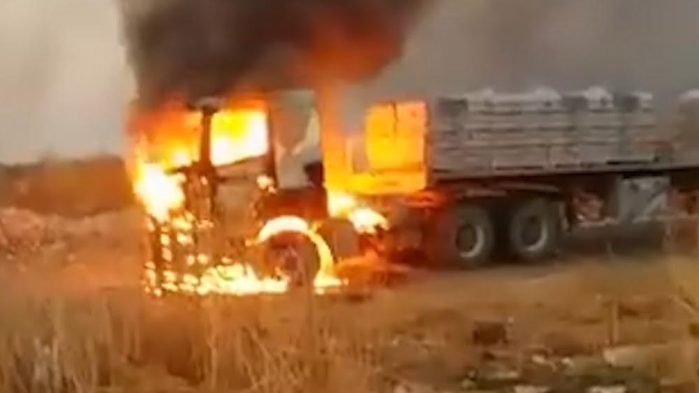 KYK | Vragmotorbestuurders het gedwing om te vlug nadat twee vragmotors in Noordwes getakel het - TimesLIVE