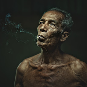 THE OLD MAN by Abe Less - People Portraits of Men ( senior citizen )