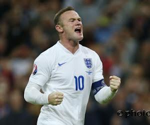 Rooney gifle un catcheur