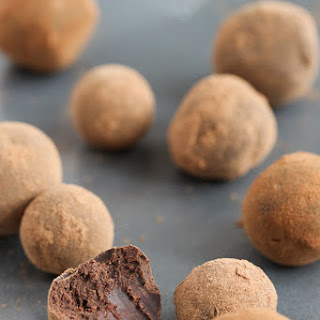 Easy 4 Ingredient Ginger Chocolate Truffles Recipe
