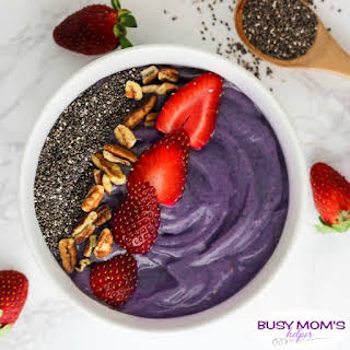 Very Berry Smoothie Bowl.