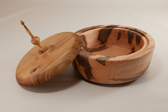 "Photo: Jeff Tate 6"" x 5 1/2"" box with finial [Ambrosia maple, oak, spalted maple]"