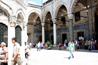 Photo: Day 115 - Courtyard of Yeni Mosque