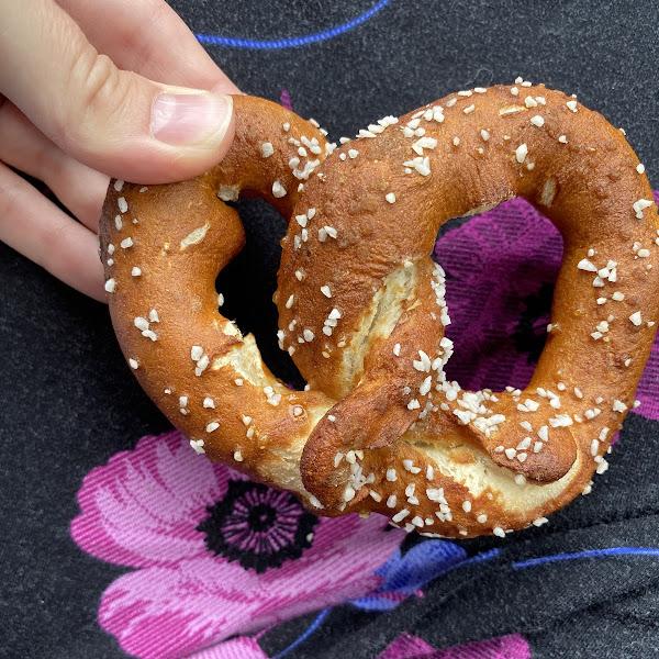Gf Bavarian Style Pretzel