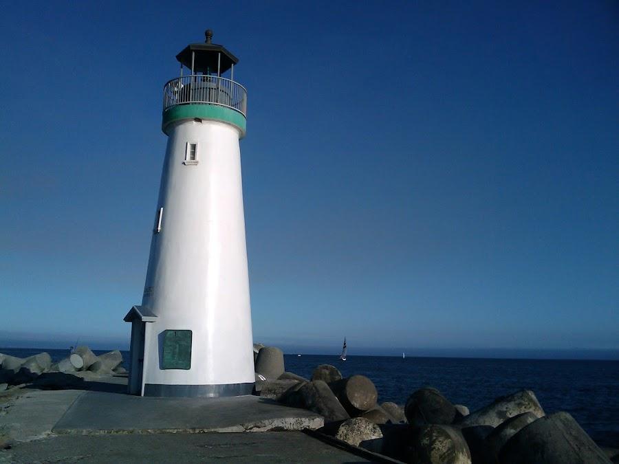 Santa Cruz Lighthouse by Shiva Sharifi - Travel Locations Landmarks ( beaches, santa, cruz, lighthouse, sea, ocean, house, beach, light,  )