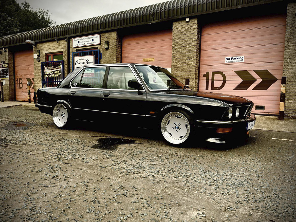 BMW 518i Hire Todmorden