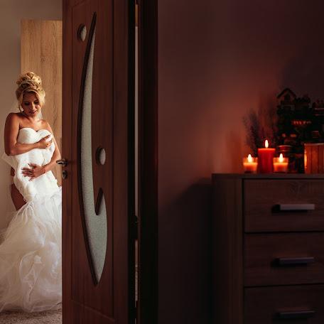 Fotograful de nuntă Cristi DOBRESCU (cristidobrescu). Fotografie la: 09.03.2017