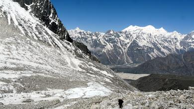 Photo: Abstieg vom Pass