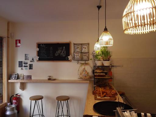 Foto Petit à Petit cafe 9