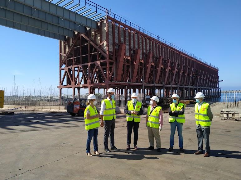 Ana Martínez Labella, Ramón Fernández-Pacheco, Jesús Caicedo, Ramón de Torres, y técnicos tanto del Puerto como de la obra