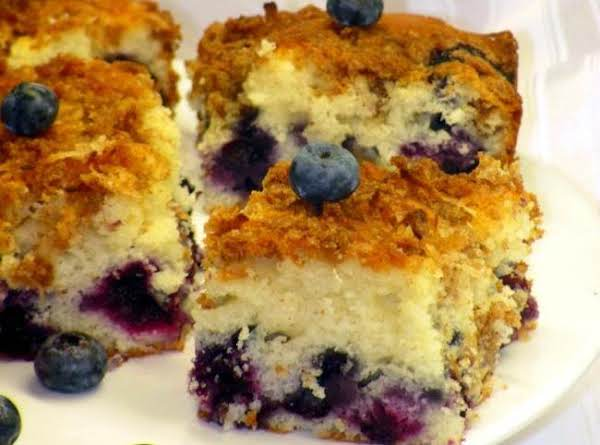 Blueberry Cake With Coconut Crumble